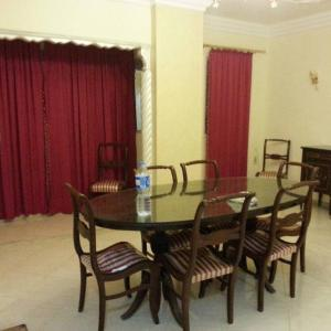 Hotel Pictures: Al Zahraa' Two-Bedroom Apartment, Ismailia