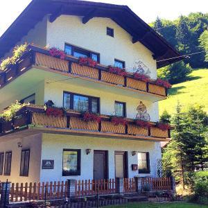 Hotellikuvia: Waldblick Landhaus B&B, Schwarzenbach an der Pielach