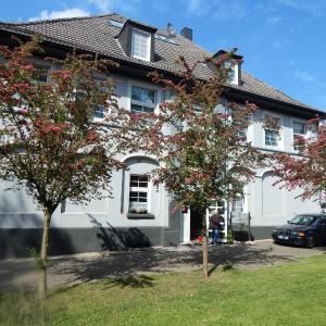 Hotelbilleder: Apartment Altes Herrnhaus, Selm