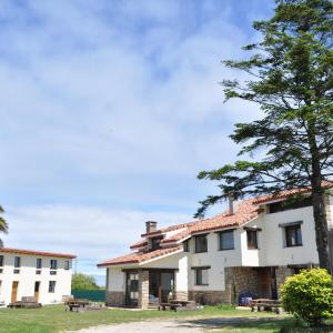 Hotel Pictures: Ak-55 Hostel, Villaverde