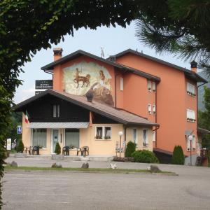 Foto Hotel: Albergo Ristorante Sagittario, Feltre
