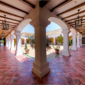 Hotel Pictures: Cortijo Los Naranjos de San Juan, Las Cabezas de San Juan