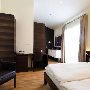 Hotel Pictures: Hôtel Glanis, Gland