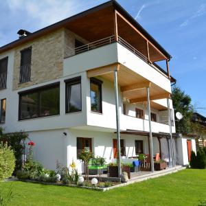 Fotos do Hotel: Ferienwohnungen Unterluimes, Telfes im Stubai