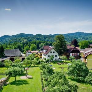 Hotel Pictures: Bauernhof Liendl, Keutschach am See
