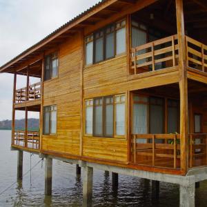 Hotel Pictures: Saiananda Hostería, Bahía de Caráquez