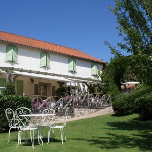 Hotel Pictures: Relais du Silence Auberge de la Tomette, Vitrac