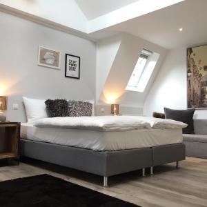 Hotelbilleder: Stilvoll - Café · Bistro · Hotel, Andernach