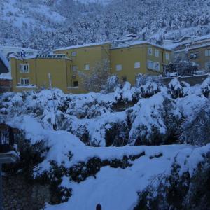Hotel Pictures: Pensión Mariola, Agres