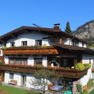 Фотографии отеля: Ferienwohnung Apartment Haus Ager, Тирзее