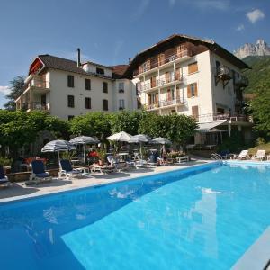 Hotel Pictures: Hotel du Lac, Talloires