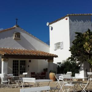 Hotel Pictures: Cacharel, Saintes-Maries-de-la-Mer