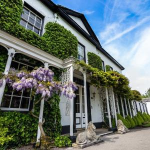 Hotel Pictures: Statham Lodge Hotel, Lymm