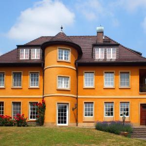 Hotel Pictures: Villa Spiegelberg, Nierstein