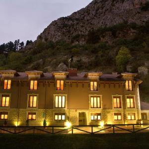 Hotel Pictures: Apartamentos Don Clemente, Las Rozas