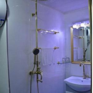 Hotel Pictures: Romantic Ocean Apartment, Benxi