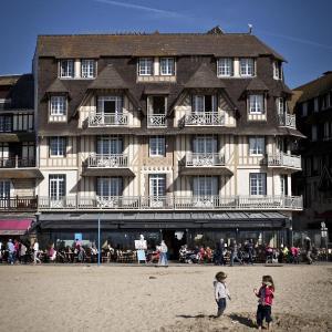 Hotel Pictures: Le Flaubert, Trouville-sur-Mer