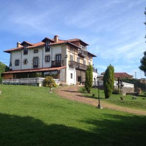 Hotel Pictures: La Casona de Cerrazo, Cerrazo