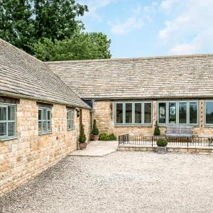 Hotel Pictures: Groves Barn at Norton Grounds, Chipping Campden