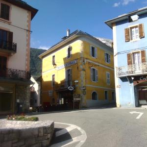 Hotel Pictures: Hotel Central, Saint-Pierre-d'Albigny