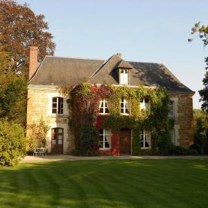Hotel Pictures: Prieuré Saint-Michel, Crouttes