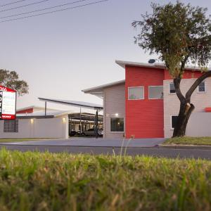 Hotel Pictures: Altitude Motel Apartments, Toowoomba