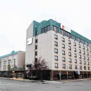 Hotel Pictures: Nomad Hotel & Suites, Fort McMurray