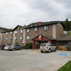 Hotel Pictures: Super 8 Williams Lake, Williams Lake