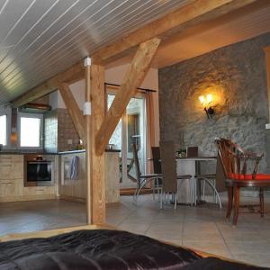 Hotel Pictures: Studio de Vacances Philipona, Granges