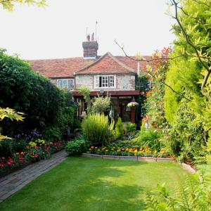 Hotel Pictures: Magnolia Cottage, Pevensey