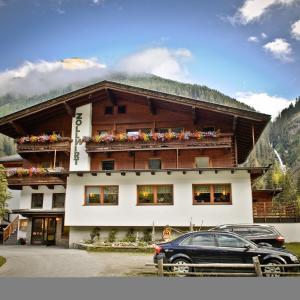 Hotellikuvia: Alpengasthof Zollwirt, Sankt Jakob in Defereggen