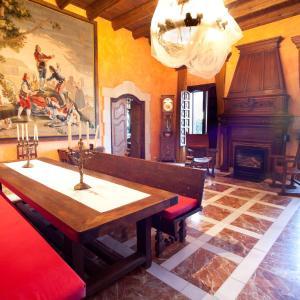 Hotel Pictures: El Palauet de la Muralla, Balaguer