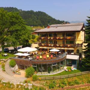 Фотографии отеля: Naturhotel Taleu, Бюрзерберг