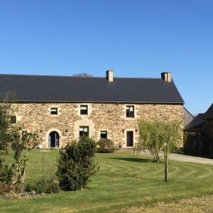 Hotel Pictures: Luxury Farmhouse Brittany, Plénée-Jugon