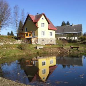 Hotel Pictures: Chata Rybná 18, Pernink