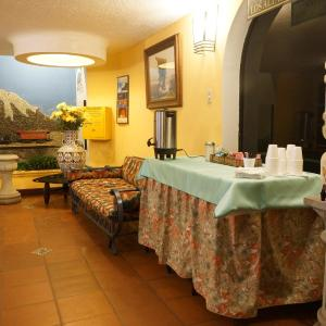 Hotel Pictures: Hosteria El Troje, Riobamba