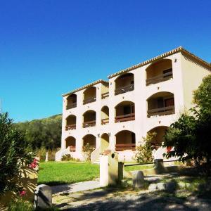 Hotel Pictures: Residence I Delfini, Tiuccia