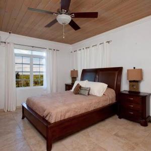 Hotel Pictures: Island Gem Hilltop House, Rock Sound