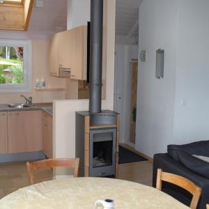 Hotel Pictures: Apartment Aux Lilas, Les Geneveys-sur-Coffrane