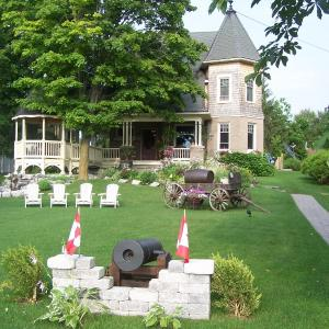 Hotel Pictures: Creighton Manor Inn Bed & Breakfast, Orillia