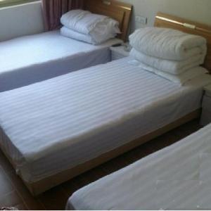 Hotel Pictures: Baiyunshan Shileyuan Inn, Luanchuan