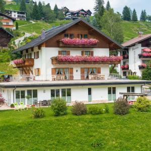 Hotelbilleder: Ferienwohnungen Hörmann, Hirschegg
