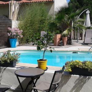 Hotel Pictures: Hôtel Le Médiéval, Aigues-Mortes
