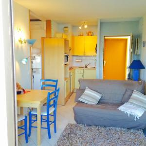 Hotel Pictures: Appartment Plein Soleil, Golfe-Juan