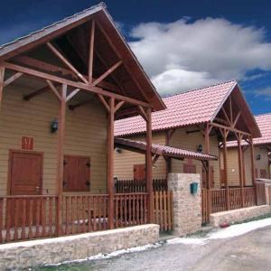 Hotel Pictures: Cabañas Montes Universales, Orihuela del Tremedal