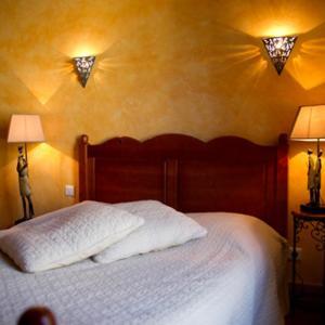 Hotel Pictures: B&B L'Etape D'Angeline, La Romieu