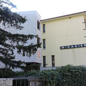 Hotel Pictures: Mirasierra, Bustarviejo