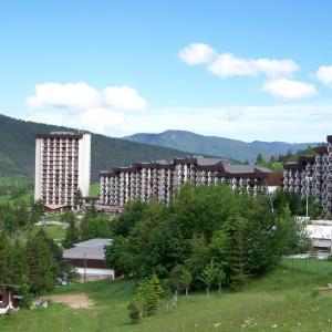 Hotel Pictures: Le Balcon De Villard, Villard-de-Lans