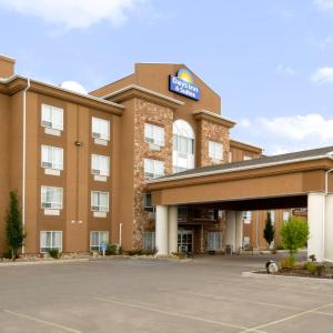 Hotel Pictures: Days Inn and Suites Strathmore, Strathmore