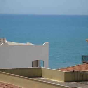 Foto Hotel: Il Mare dai Tetti, Marina di Ragusa